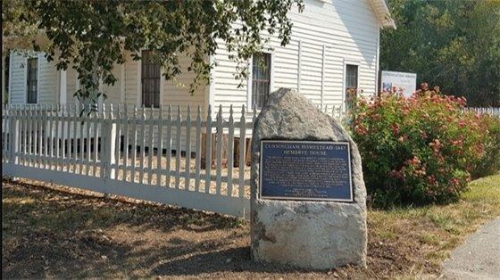 Cunningham plaque
